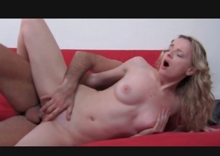 Frizzled blond receives her pussy screwed