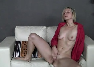 Amateur in leopard transcribe panties rubs her pussy