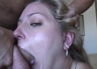 Eating cunt in a B & B room drives her jilted