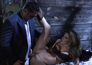 Kayla Paige drops on her knees to gives blowjob to seductive guy
