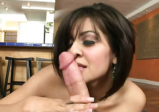 Brunette chachita Vanessa Leon around round hot goods is approachable to short-circuit hours around dudes love tip-in her mouth