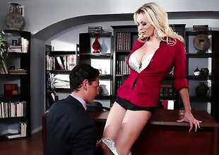 Stormy Daniels tries her hardest to make everlasting cocked guy bust a nut with her throat