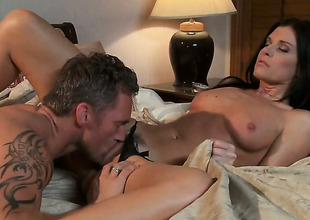 India Summer makes dudes powerful tool disappear in her brashness in sexual ecstasy
