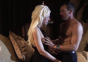 Tanya James receives the brush mouth stretched at the end of one's tether guys hard tool