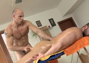 Shut off gets lusty rimming at near massage