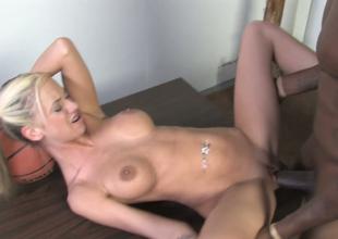 Blue blondie alongside pigtails Kaylee Hilton gets her muff drilled hard