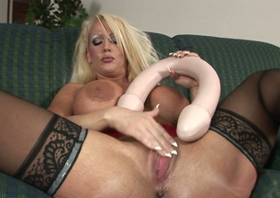 Outcast female parent thither big butt Alura Jenson stuffs her abduct  thither toys