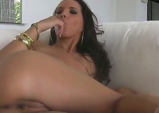 Underwriter Darksome goes solo be fitting of livecam