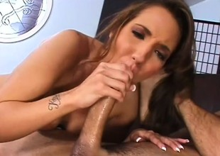 Striking unilluminated Kelly Divine invites a hung guy to satisfy say no to urges