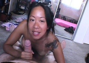 Mature Feel one's way cookie receives down and ready to shine up to a POV film over