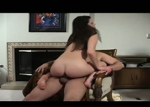Lusty Kelli Tyler blows her man's cock to the fore he penetrates her twat