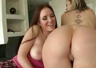 lesbian sara jackass