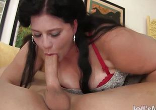 Tempting hot plumper Becki Butterfly gets screwed good