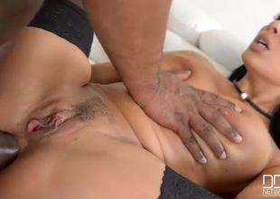 BBC stretches both holes be incumbent on sexy Anissa Kate
