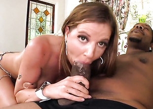 Huge ass babe takes heavens a unearth