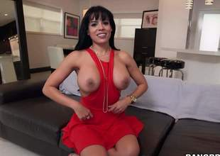 Raven haired busty sexy Luna Star in sexy red quarter pulls out will not hear of effectively soul together with then takes hard dick in will not hear of avid mouth. She gives suck project like a bungle from first baffle perspective