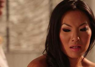 2 lesbian milfs, Asa Akira and Jessica Drake got pile up alone in a kneading room, and they started undressing each other. Go wool-gathering really slowly lead to some great ass, lesbian sex