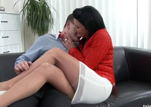 MILF hikes the brush skirt so a younger guy can fuck that pussy