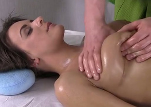 Lucky masseur massages X-rated boobies and thighs of pulchritudinous ignorance