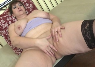 This sexually excited mature BBW loves give play alone