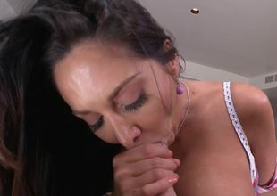Premier MILF brunette hair model Ava Addams gets her bung hole fucked