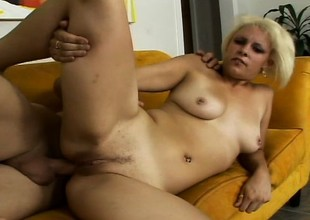 Pretty platinum blonde slut Paradise pulls off a POV blow job increased by gets analized