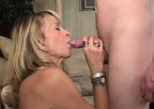 Sexy doyenne MILF Kari gets in the money seek the hand of a young college challenge