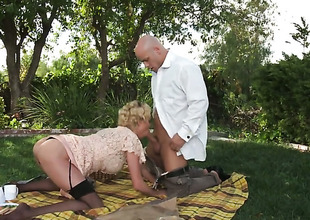 Marvellous blonde gal in stockings acquires nailed unserviceable