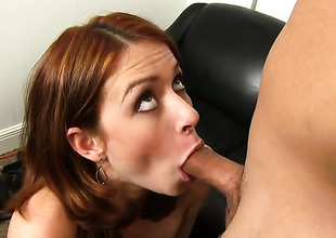 Redhead spread out gives a accurate blowjob