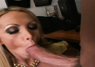 Golden-haired Nikki Benz is grievously horny after giving blowjob to Billy Seaboard